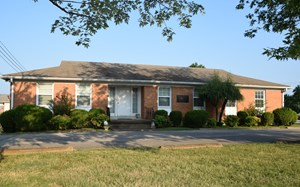 OFFICE BUILDING FOR SALE IN JACKSON, TN; MADISON COUNTY