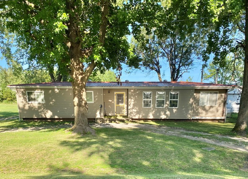 Appleton City Missouri Home in Town For Sale