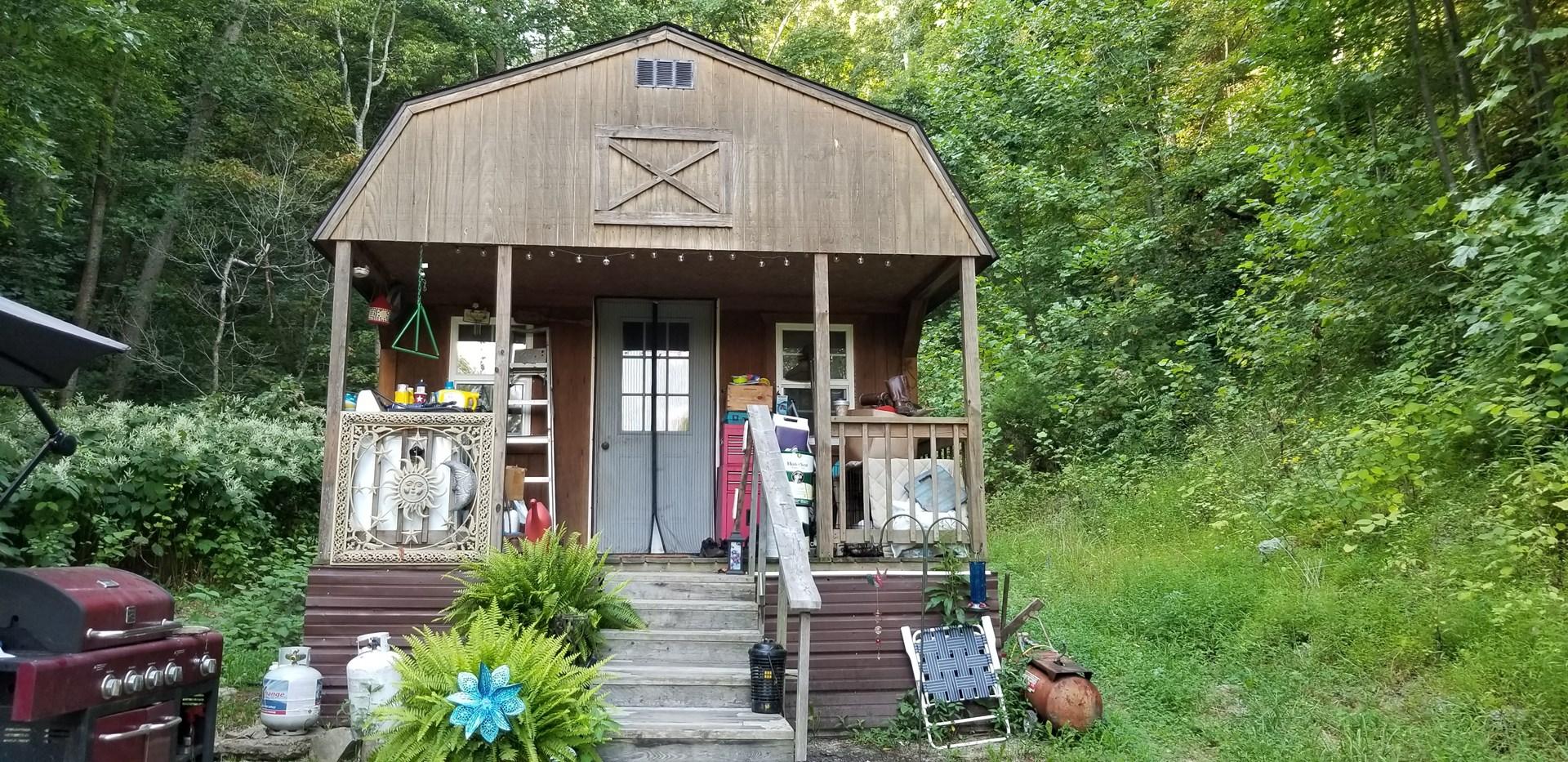 4 +/- acre weekend getaway hunting cabin