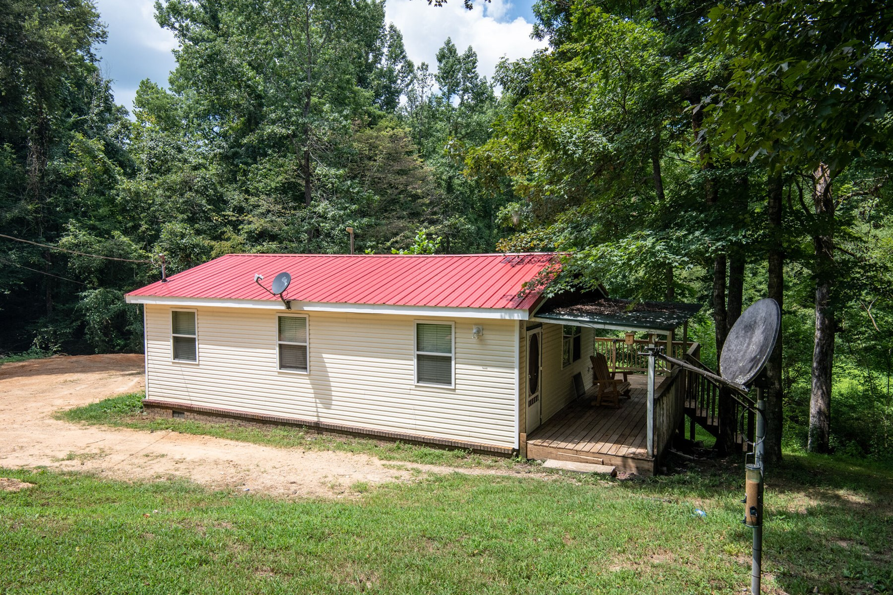 Recreational Property for Sale in Lawrenceburg, Tennessee.