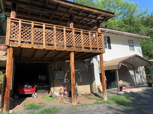 Private Home In Town on Acreage For Sale Leslie, Arkansas