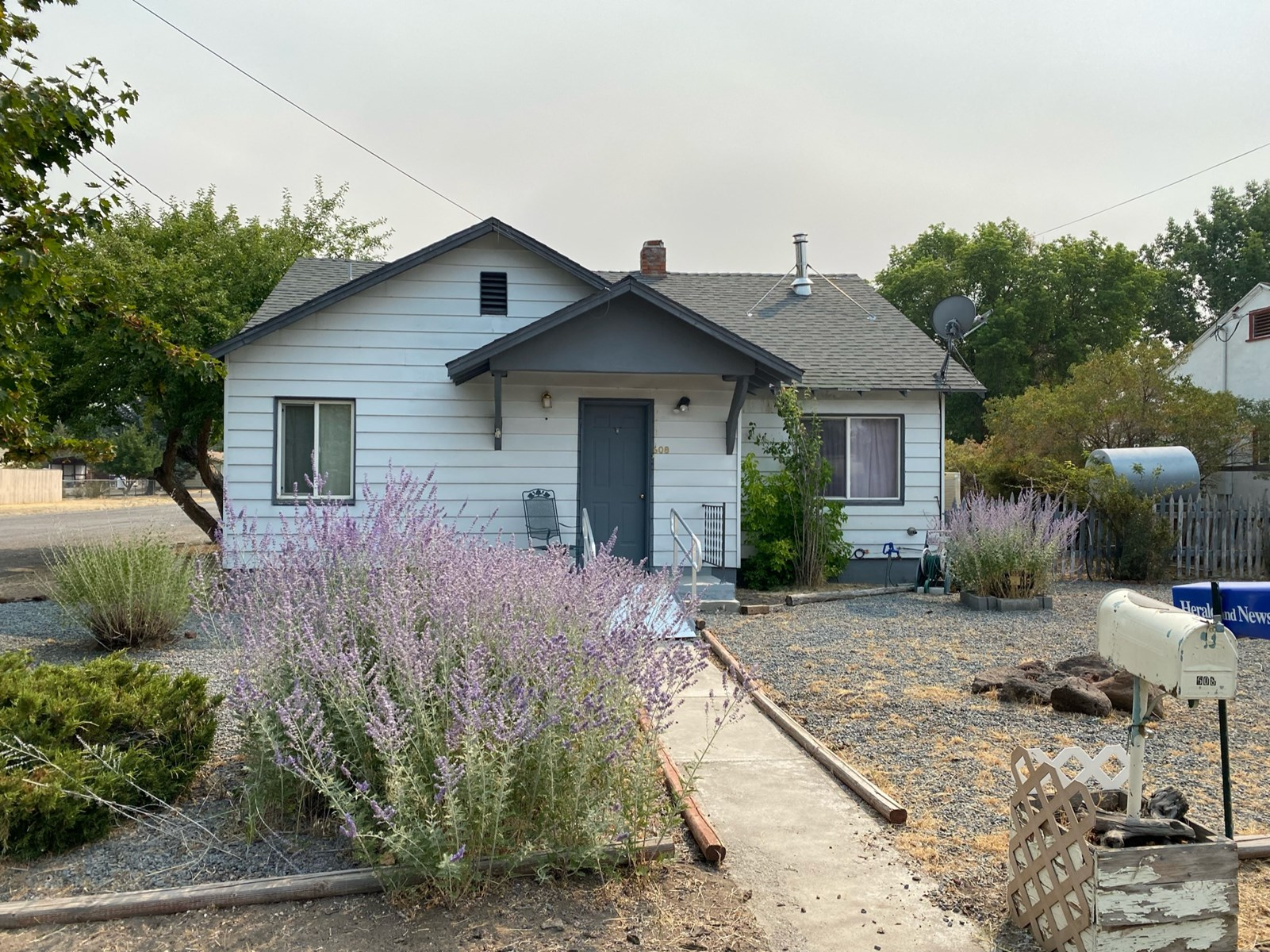 Single Family Home For Sale in Alturas, CA!