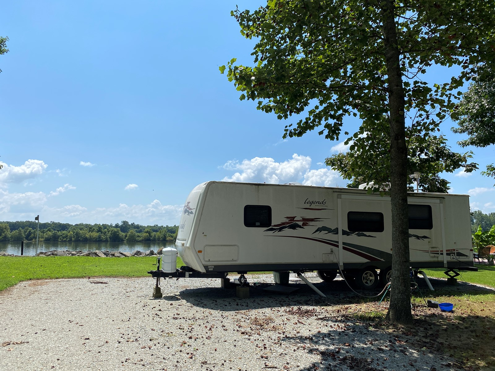 RIVER LOT FOR SALE IN TN W/CAMPER, SEPTIC, WATER, ELECTRIC