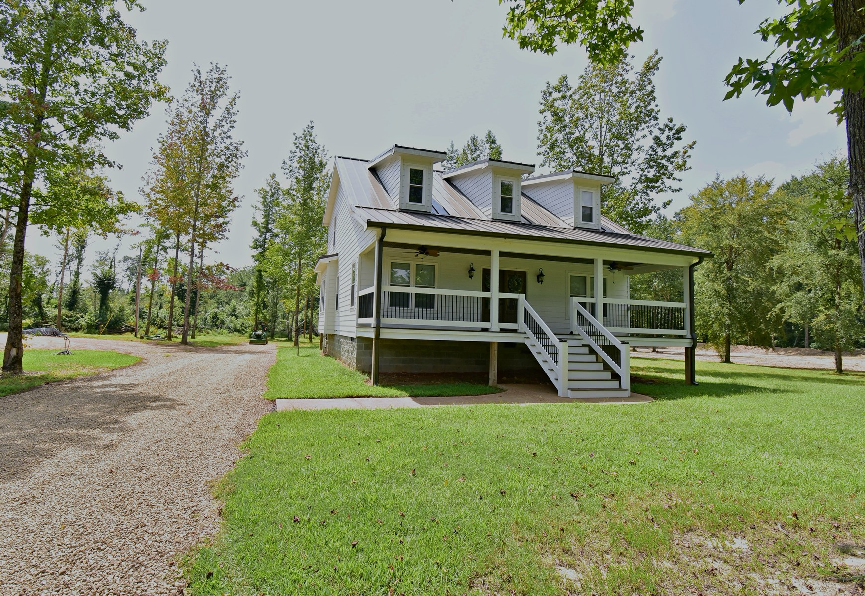 Tennessee River 4 bedroom 2 bath Home 10Ac $399,900