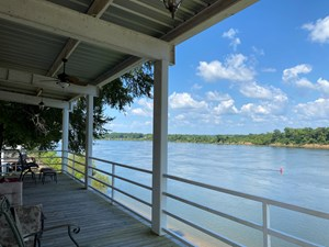 RIVER FRONT CABIN FOR SALE IN TN ON THE TN RIVER W/EXTRA LOT