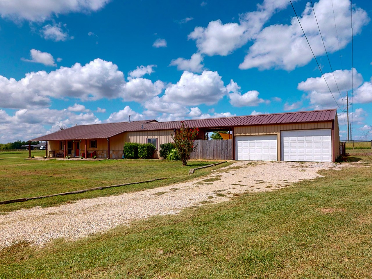 Country Home For Sale With Acreage In Paris Texas