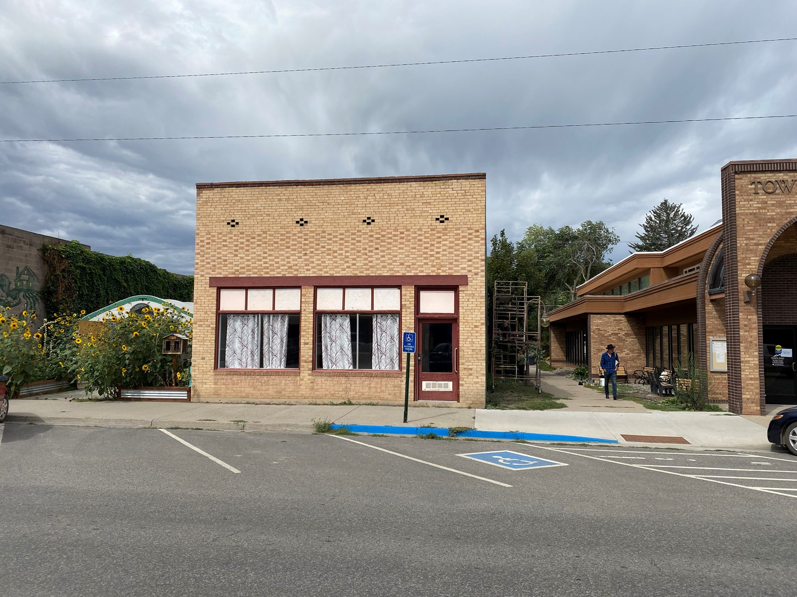 Paonia CO commercial building for sale with 3-BR apartment