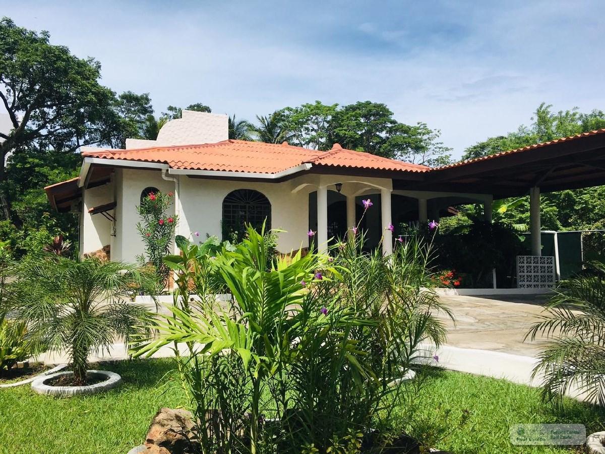 Beach House in Nueva Gorgona, Panamá
