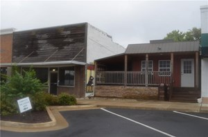 COMMERCIAL SPACE AVAILABLE - GRAVETTE