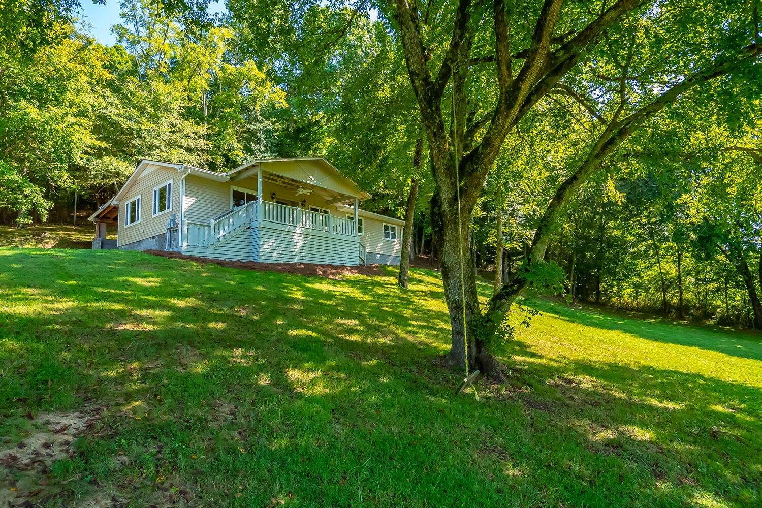 Country Home For Sale in Columbia Tennessee