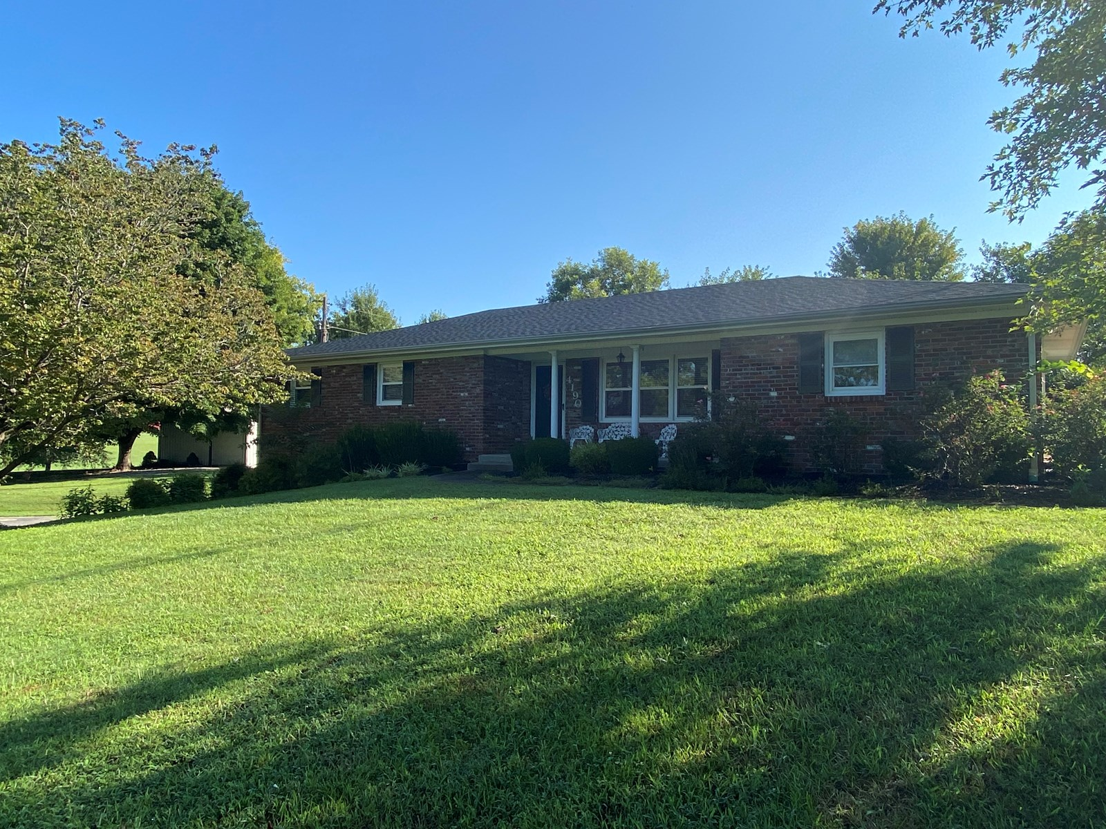 Beautiful Country Home & 2 Acres for Sale in Alvaton, KY