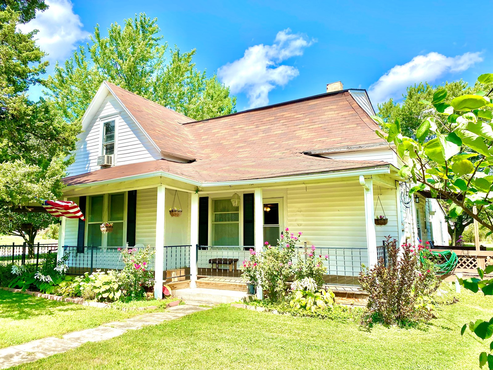 For Sale 3 BR Home on 1.5 Acres in Small Rural Town