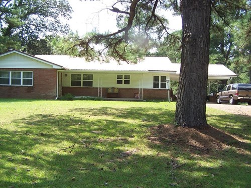 Country Home For Sale on 137 Acres Copiah County Mississippi