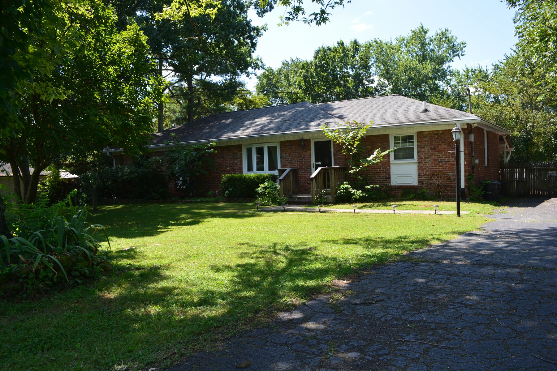Home in Town within walking distance to Old Hickory Lake.