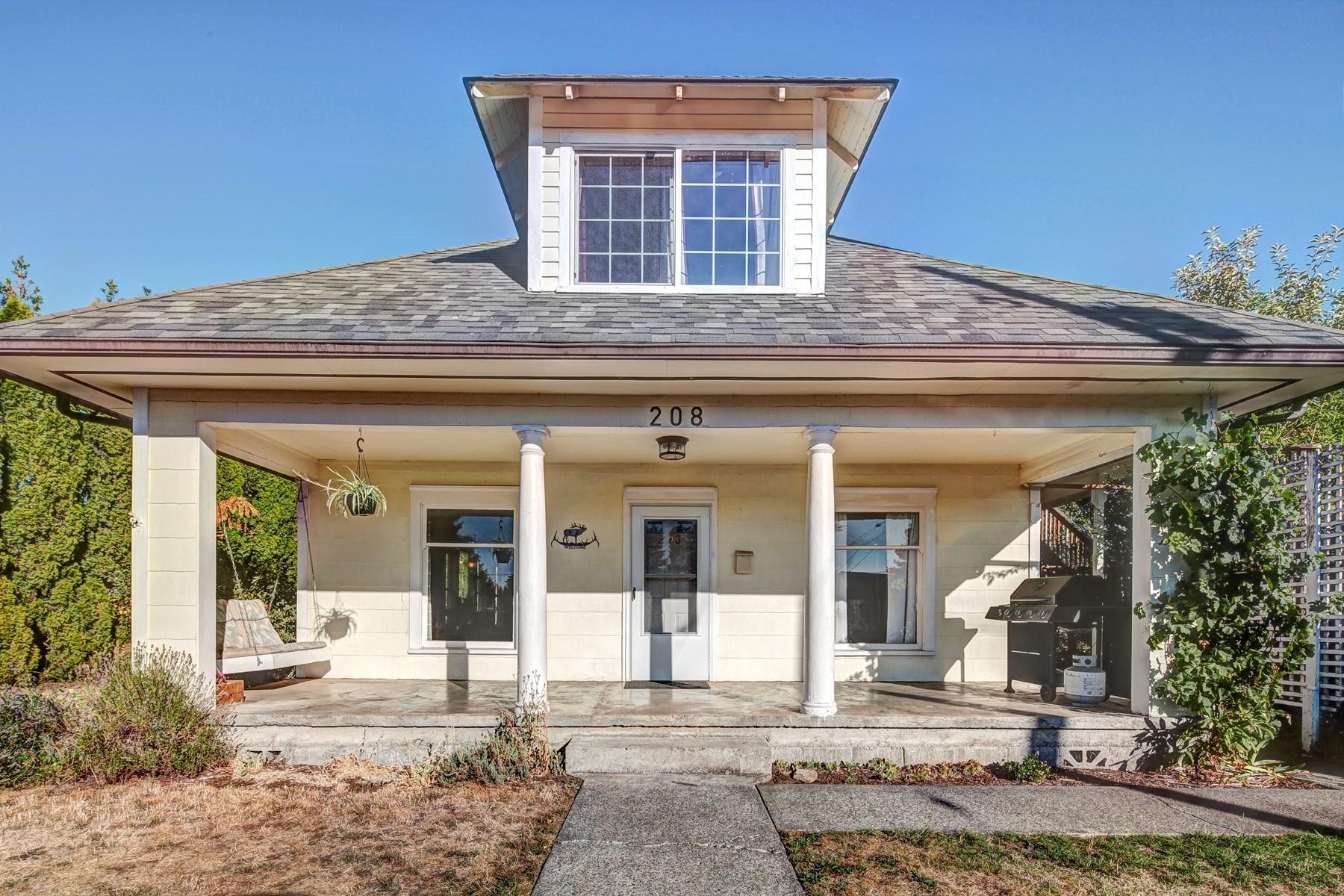 Historic home for sale in Centralia Washington