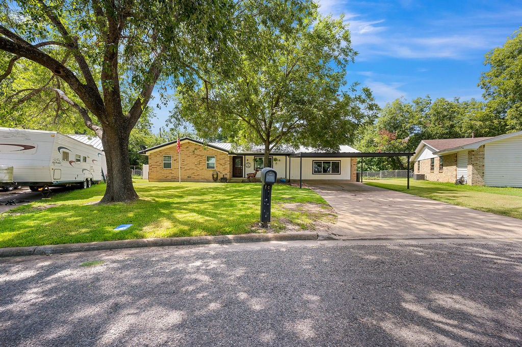 Home for Sale in Texas Pecan Trees Large Workshop