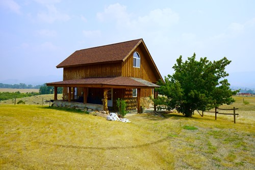Montana Mountain Views, Cabin with Horse Pasture For Sale