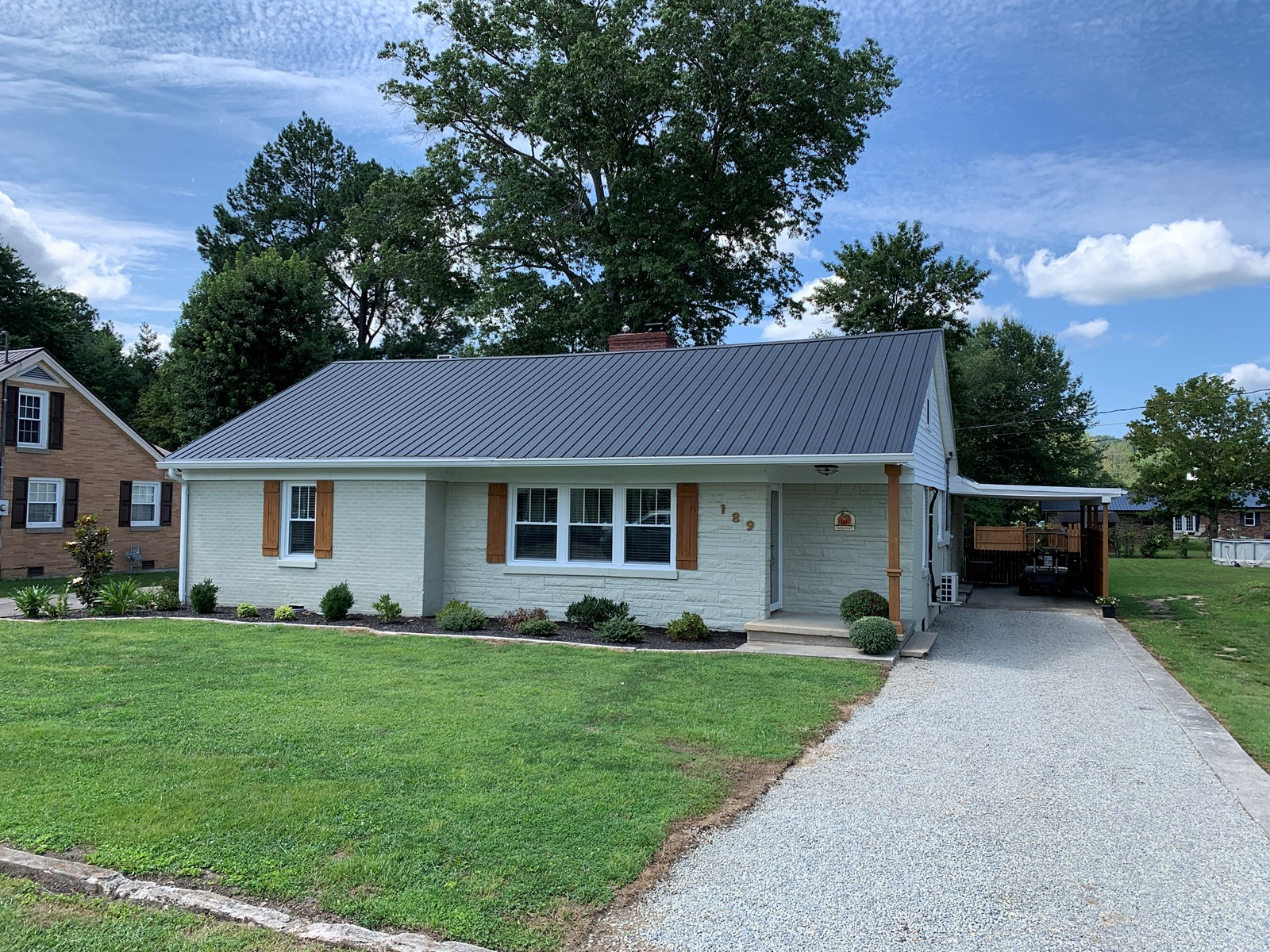 REMODELED HOME IN TOWN - LARGE MASTER SUITE - LIBERTY, KY.