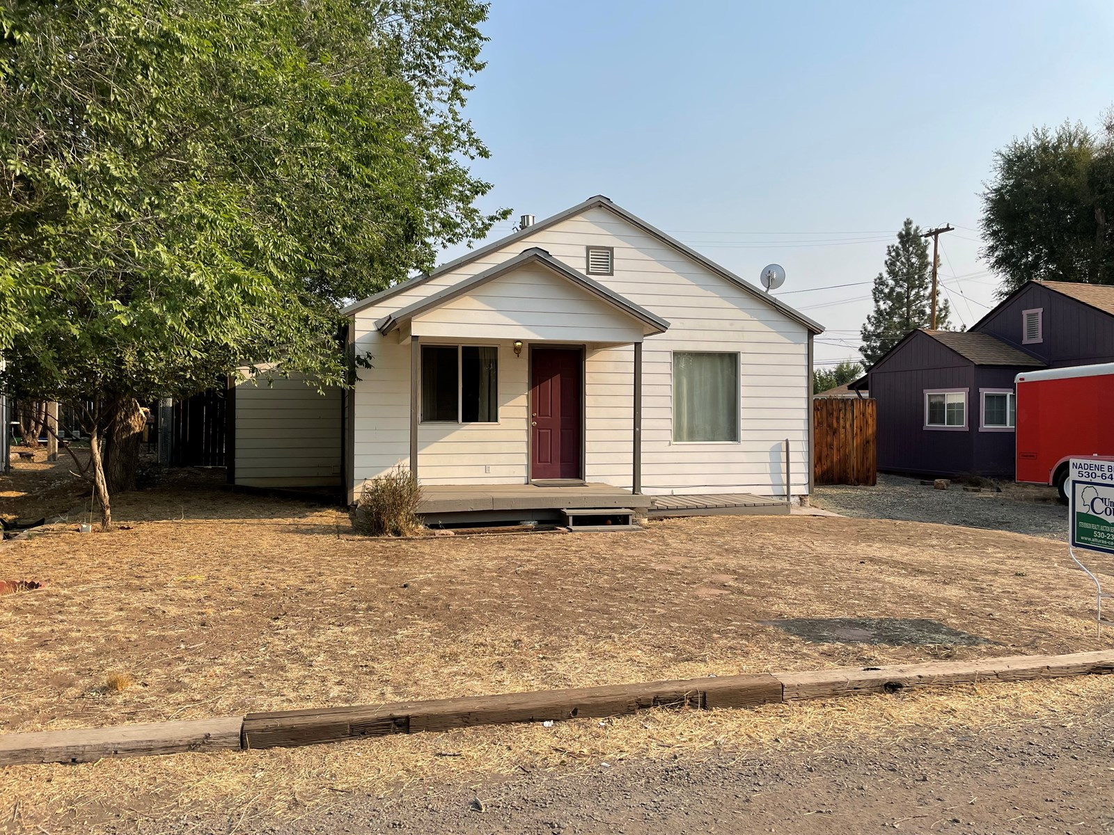 2 bed/1 bath home with new upgrades