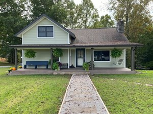 HOME ON 7+/- ACRES IN BURKESVILLE, KENTUCKY NEAR DALE HOLLOW