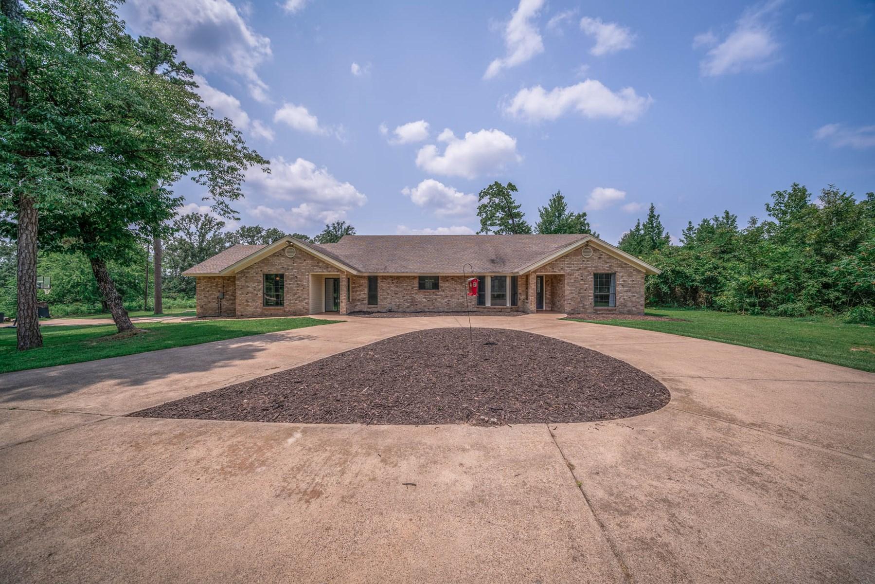 Harmony ISD Texas Home for sale on acreage