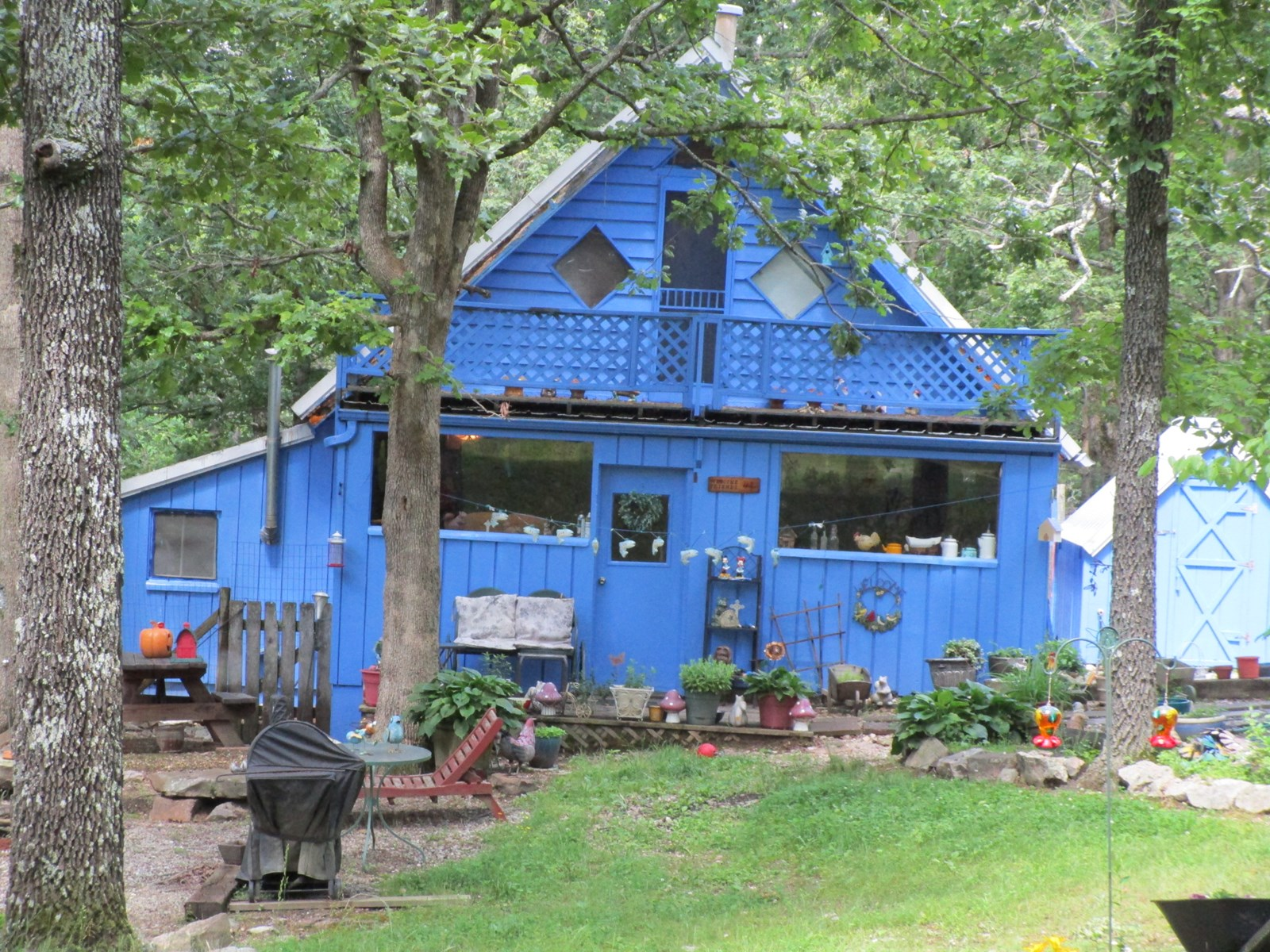 Country Home - Private Setting - Howell County, Missouri