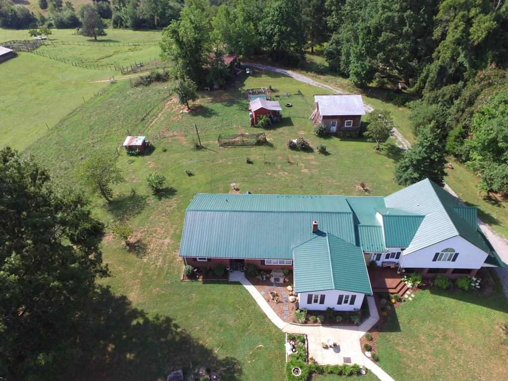 A GREAT COUNTRY HOME w/2105 sq. ft; 3 BR, 2 1/2 baths