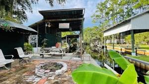 BEAUTIFUL RIVERFRONT LOT IN SUWANNEE FLORIDA!