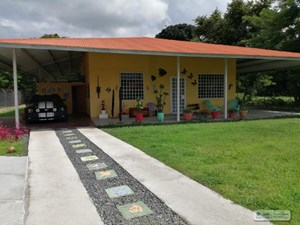 HOUSE FOR SALE IN THE WAY TO PUNTA CHAME PANAMA