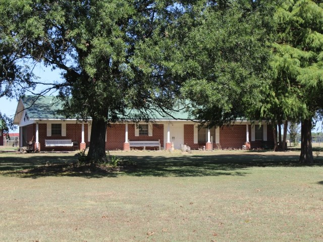 COUNTRY HOME IN BOWIE COUNTY, TEXAS