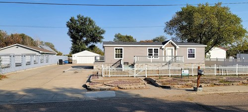 3 bedroom 2 bath home w/ garage & out buildings on 1.4 acres
