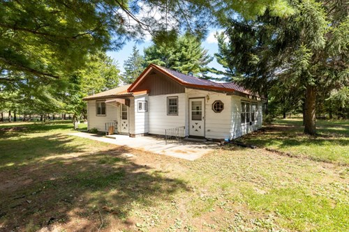 Home on Spacious Lot in Adams County WI ONLINE ONLY 10/14