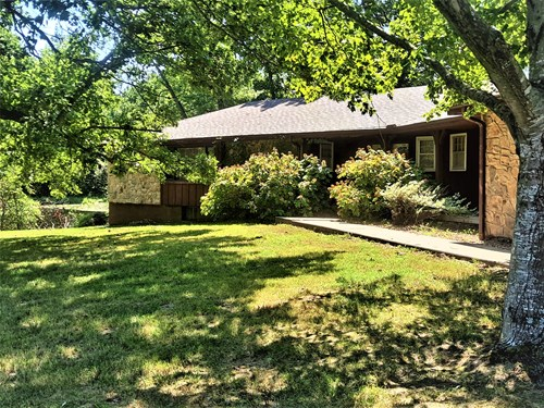 Country Home, Acreage, and Strip Pit For Sale in Clinton, MO