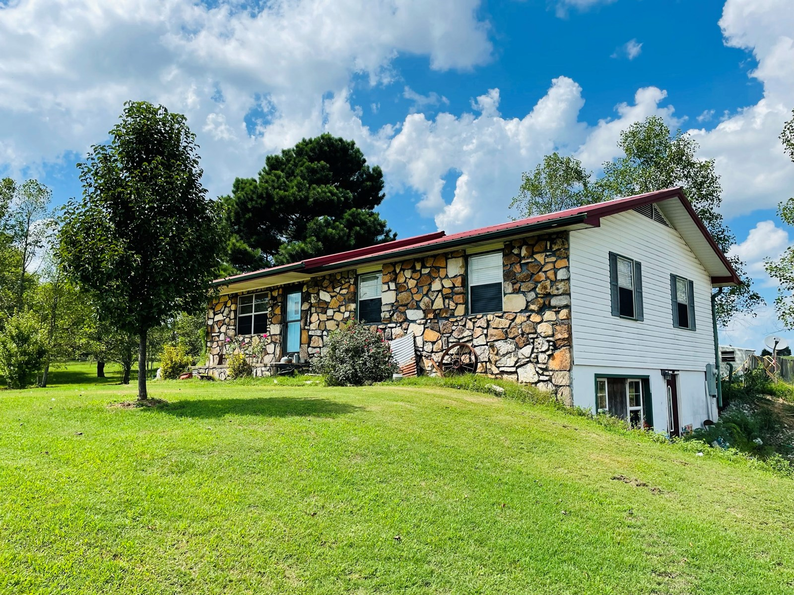 ROCK HOME AND FARM FOR SALE IN NORTH CENTRAL, ARKANSAS