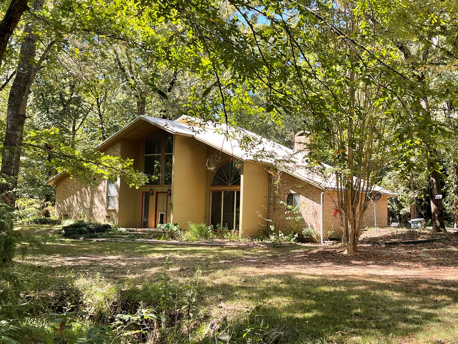 Country Home in Chapel Hills Schools For Sale in Titus, TX!