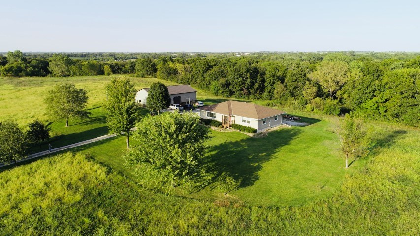 Country Home With Morton Building On 20+/- Acres