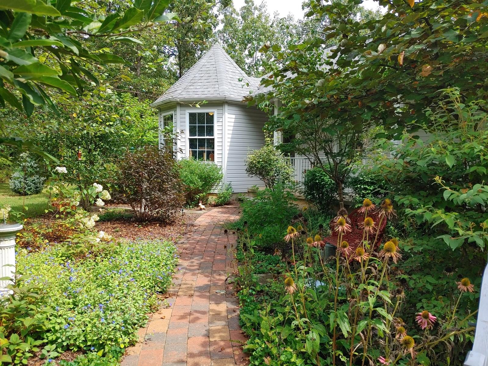 For sale4 bed 3 bath home on 16+ fenced acres w/huge garage