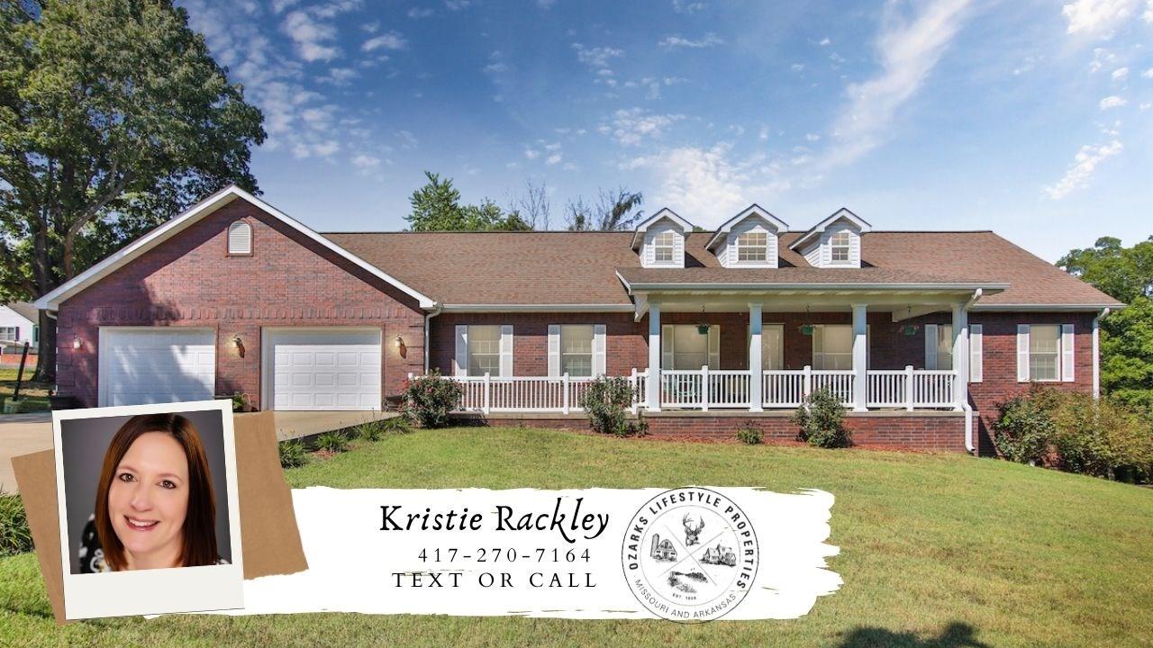 Home In Town for Sale in Alton, Missouri