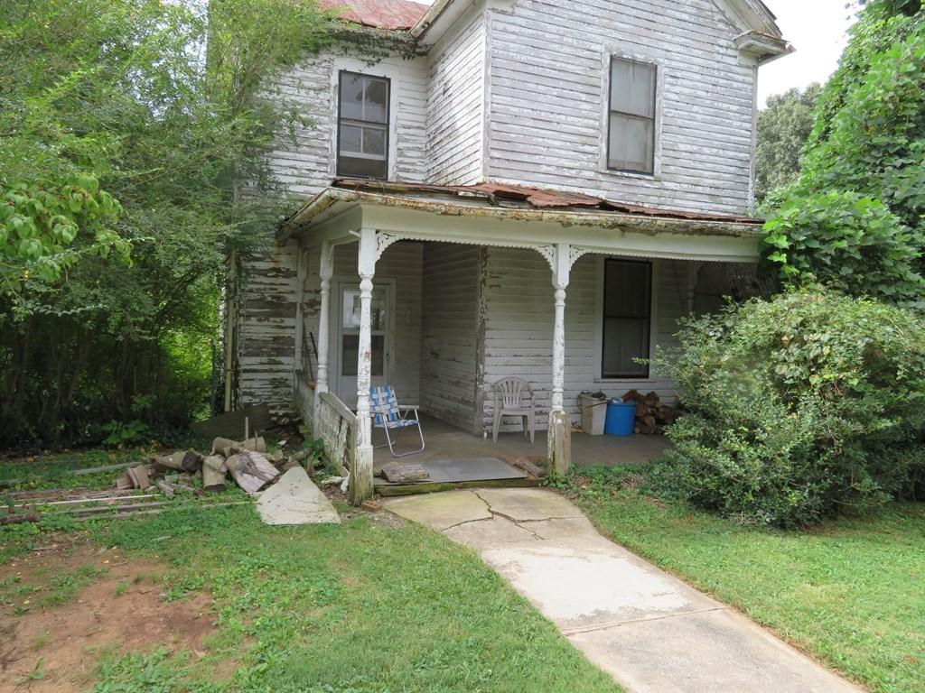 Project Home on Nice Lot in Chatham, VA