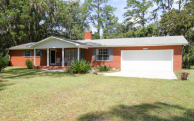 Brick Ranch on 1 Acre For Sale & Home Office in Jasper, FL
