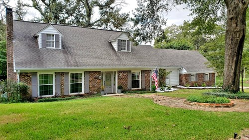 2 STORY HOME ON CORNER LOT  FOR SALE IN PALESTINE TX
