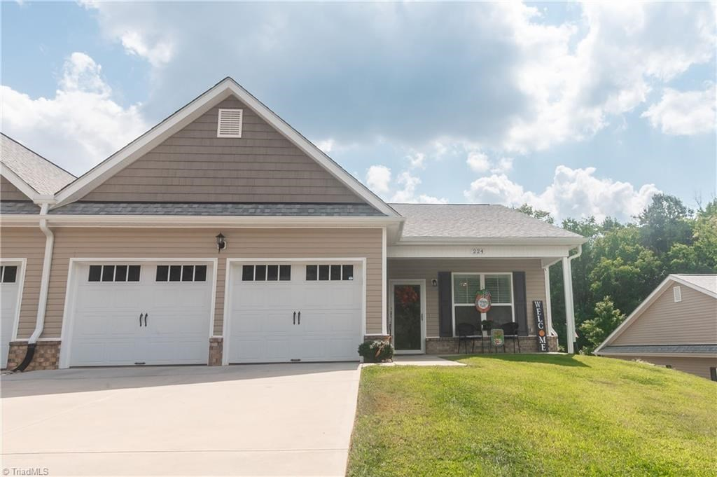 Townhome For Sale In Pilot Mountain North Carolina 27041