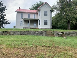HUNTING LAND WITH FARM HOUSE FOR SALE IN BURKESVILLE, KY