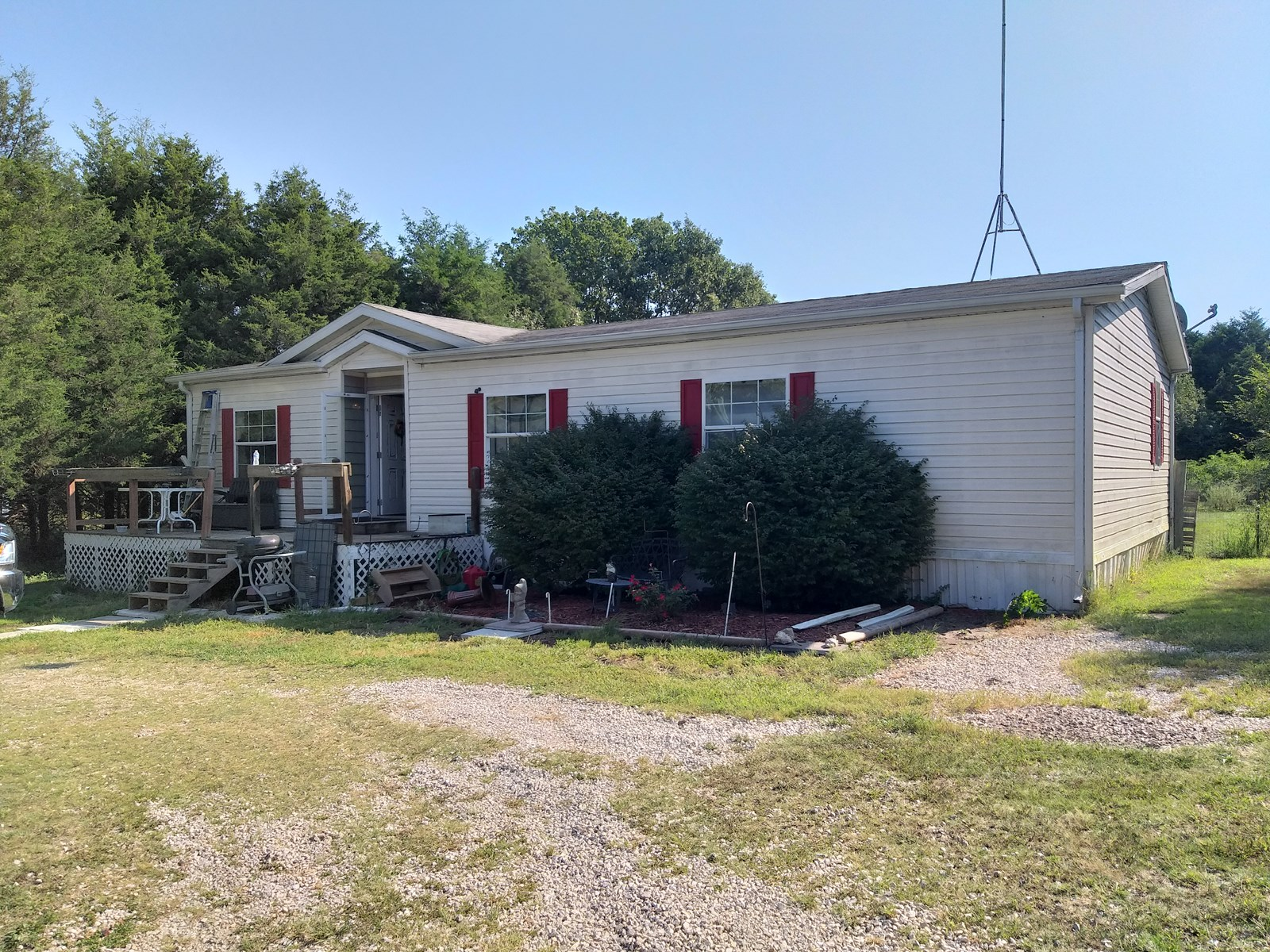 Manufacture home for sale on 2 acres in Camden County, MO