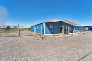 COMMERCIAL BUILDING FOR SALE IN ELK CITY, OKLAHOMA