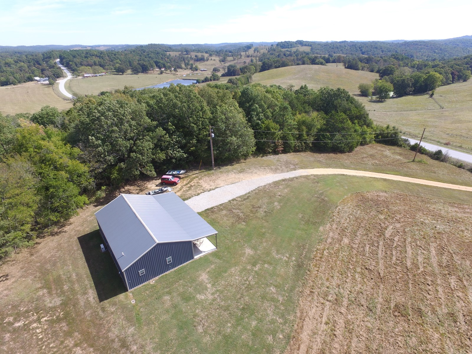HOME FOR SALE IN THE OZARK MOUNTAINS NEAR THE WHITE RIVER!