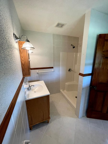 Bathroom - 10258 CO RD 1006 Auxvasse Mo