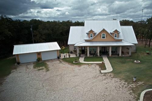 Custom Built home,  Axtell ISD, McLennan County, Acreage