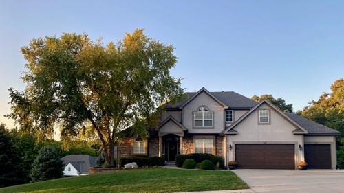 Parkville Missouri Home For Sale