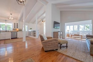 HOME FOR SALE IN FRANKLIN, TENNESSEE